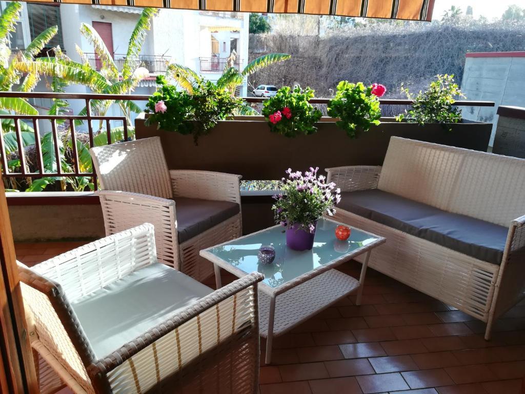 Kiadó ház / Apartman Giardini Naxos- területén | Pietrenere Apartment – bacsbokodi-peca.hu