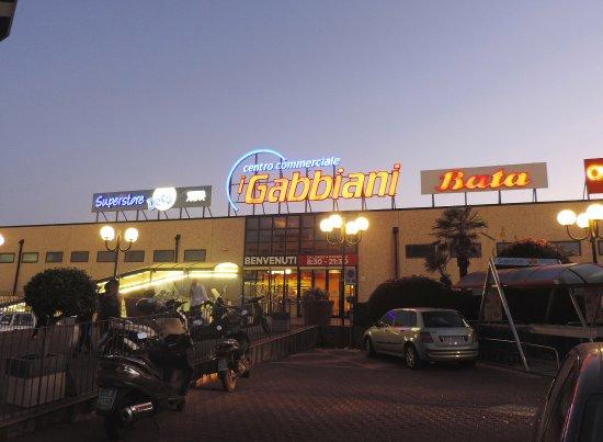 giardini naxos shopping mall