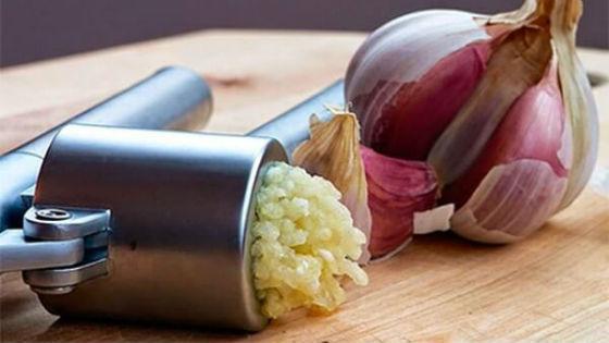 Hogyan lehet megszabadulni a férgek fokhagymával? Receptek és vélemények - Asztma March